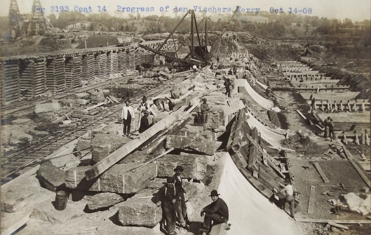 Construction in the south segment of the dam in 1908..